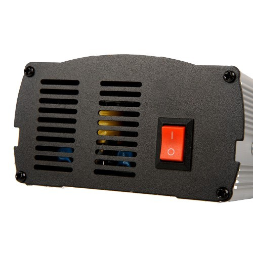 HC-20 BATTERY CHARGER